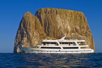 galapagos-luxury-cruise-5-day-tour-aboard-the-odyssey-in-galapagos-islands-226262