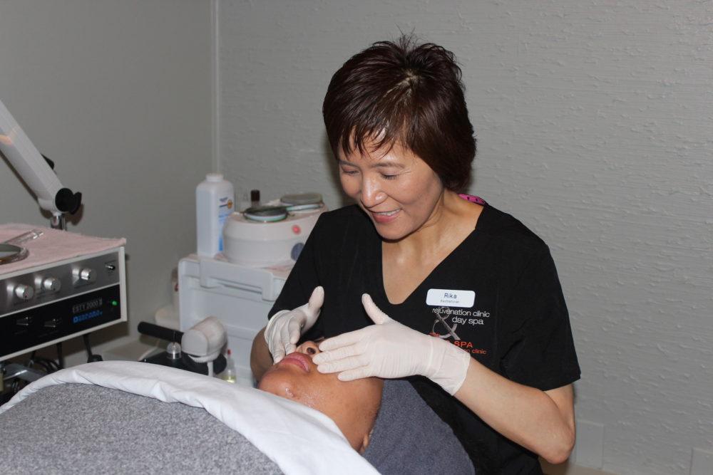 Rejuvenation Clinic Day Spa facial